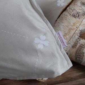 Daisy beige katoensatijn